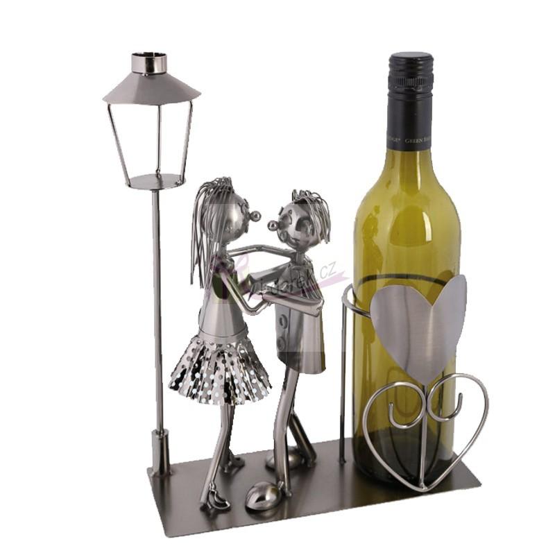Kovový stojan na láhev - tanec pod lampou