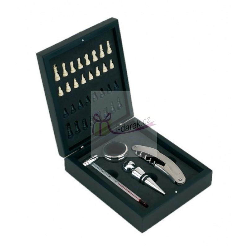 Sada k vínu a šachy v dřevěné krabičce - 4 nástroje v setu na víno