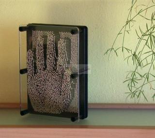 Ocelové hřebíky na obrazy